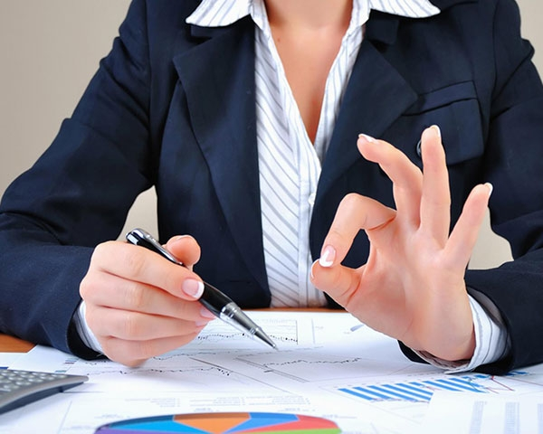 Составление любых или полного комплекта договоров, защищающих интересы продавца при реализации недвижимости/></div> <div class=